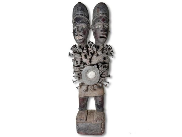Doppelkopf Nagelfetisch der Bakongo 83cm